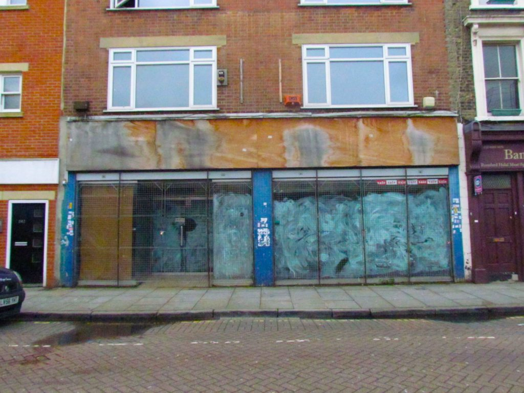 538-540 Roman Road large commercial unit, formerly Shoe World